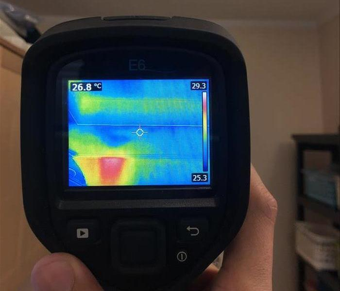 infrared camera imaging a wall